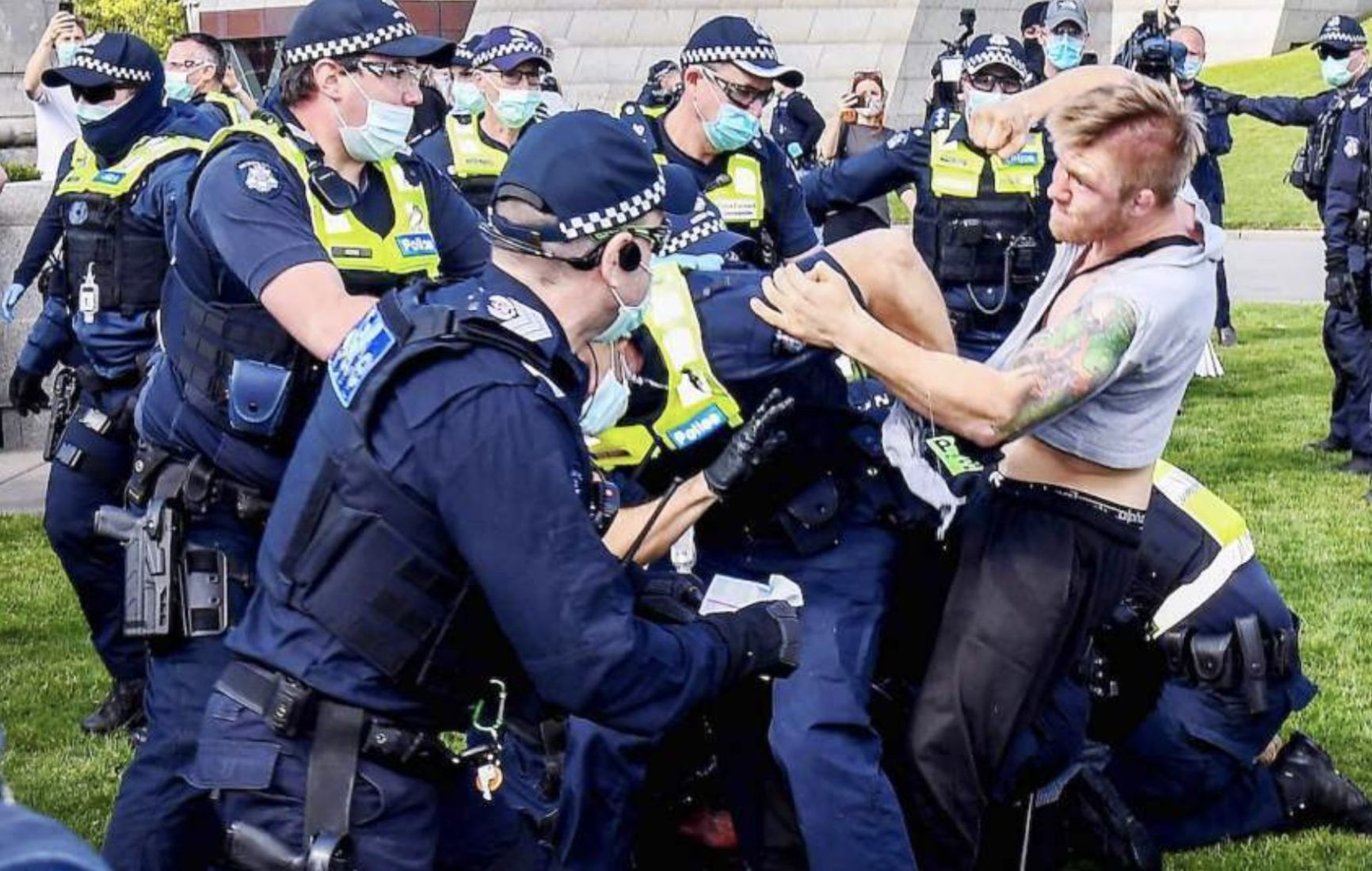 100s of protesters defy orders, arrests at Melbourne demonstrations | Thaiger