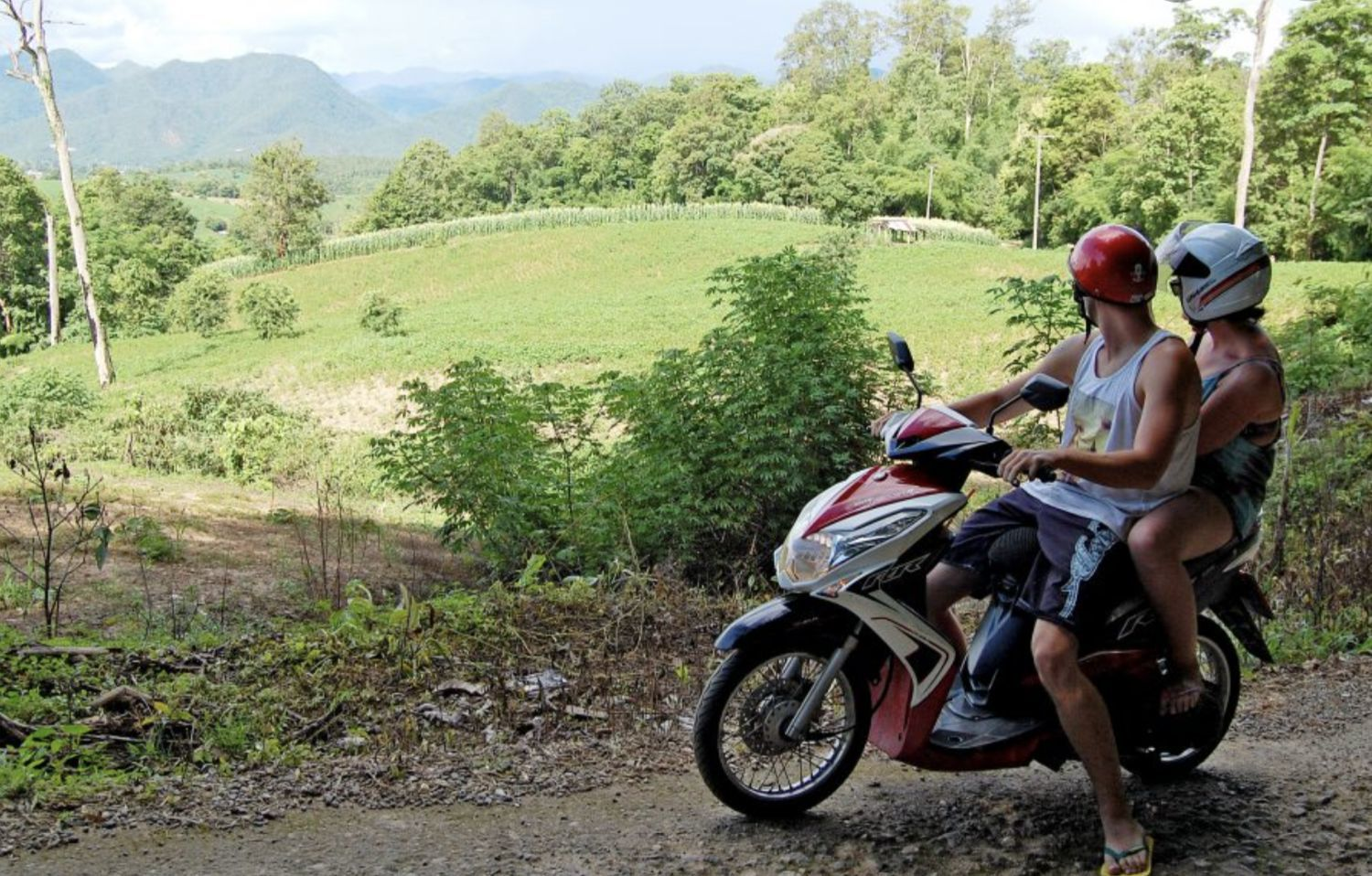 Riding and renting a motorbike in Thailand | Top 10 tips | VIDEO | Thaiger