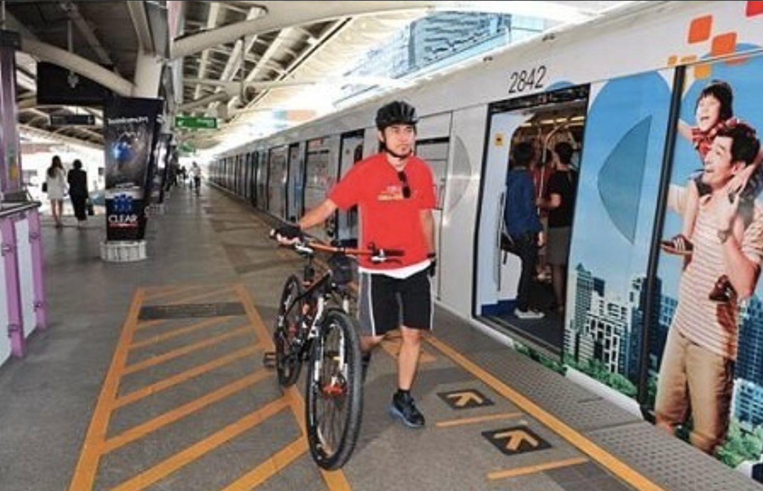 Bangkok SkyTrain offers free rides on Car Free Day for bike riders | Thaiger