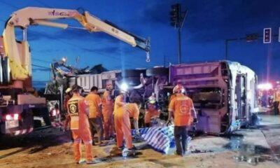 8 Roi-et volunteers killed, 33 injured in bus crash at Nakhon Ratchasima | Thaiger