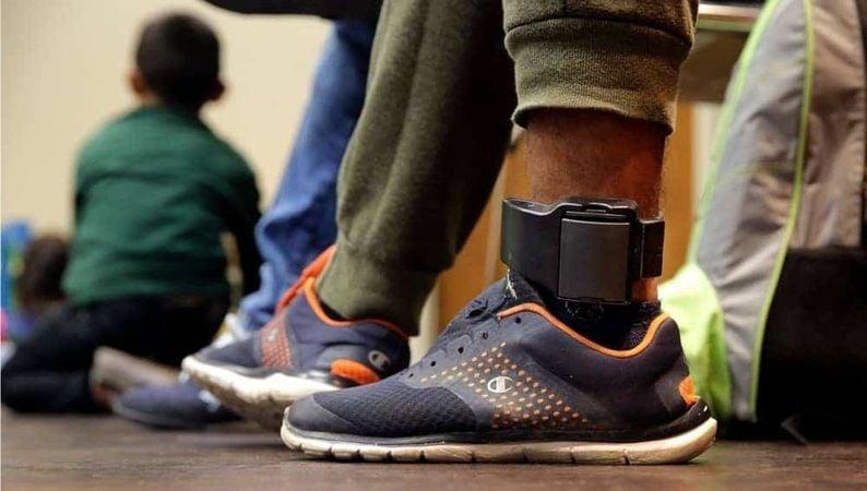 Thailand & # 8217; s gevangenissen om duizenden vrij te laten bewaakt met enkelband | De Thaiger