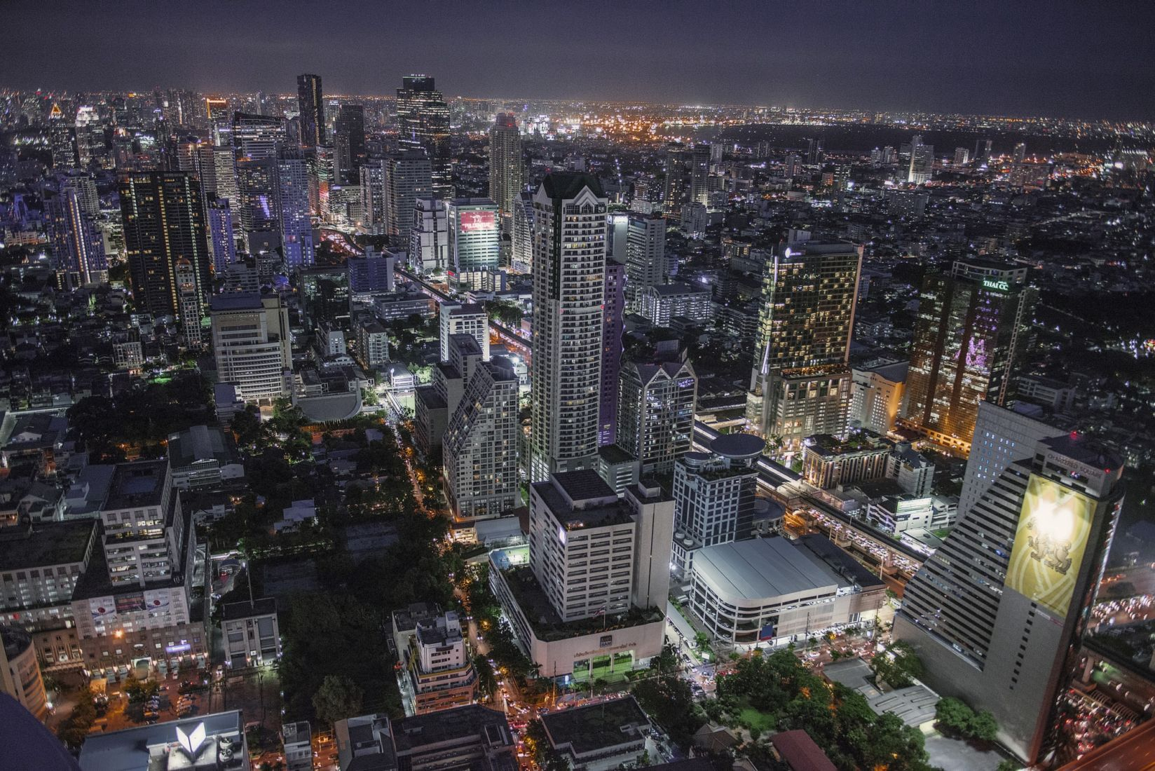 Silom Road tops as the most expensive area to buy land in Bangkok | Thaiger