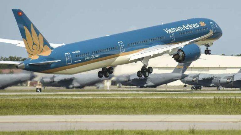 Vietnam ready to take off, international flights start this month | Thaiger