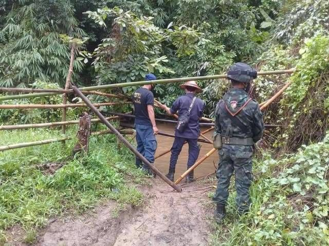 Chinese nationals caught crossing the border   Thaiger