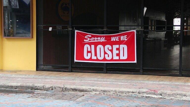 Business closures up 38%, pandemic 'scarring' the economy | Thaiger