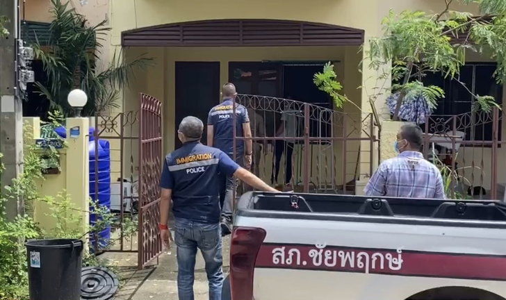 Foreign teachers checked by immigration at Sarasas school after alleged student abuse | Thaiger