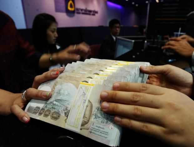 Government tentatively approves visa amendments to bring in more investments | Thaiger
