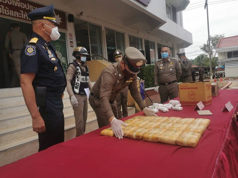 Surat Thani police chase leads to drug bust | Thaiger