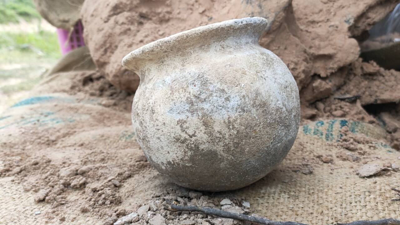 1,500 year old human bones and pottery found in Isaan province | Thaiger