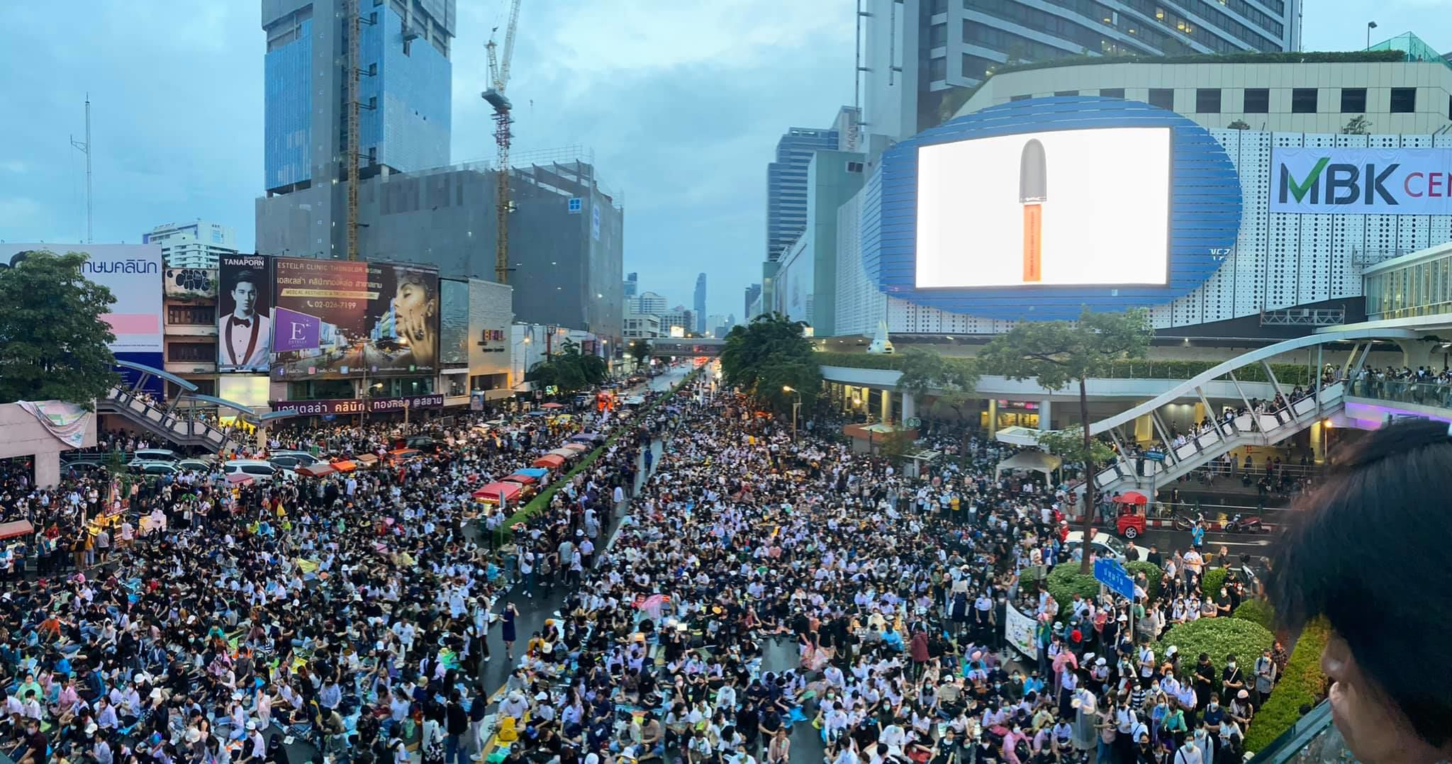 Police break up Bangkok protest with high-power water cannons, more protests planned today | News by Thaiger