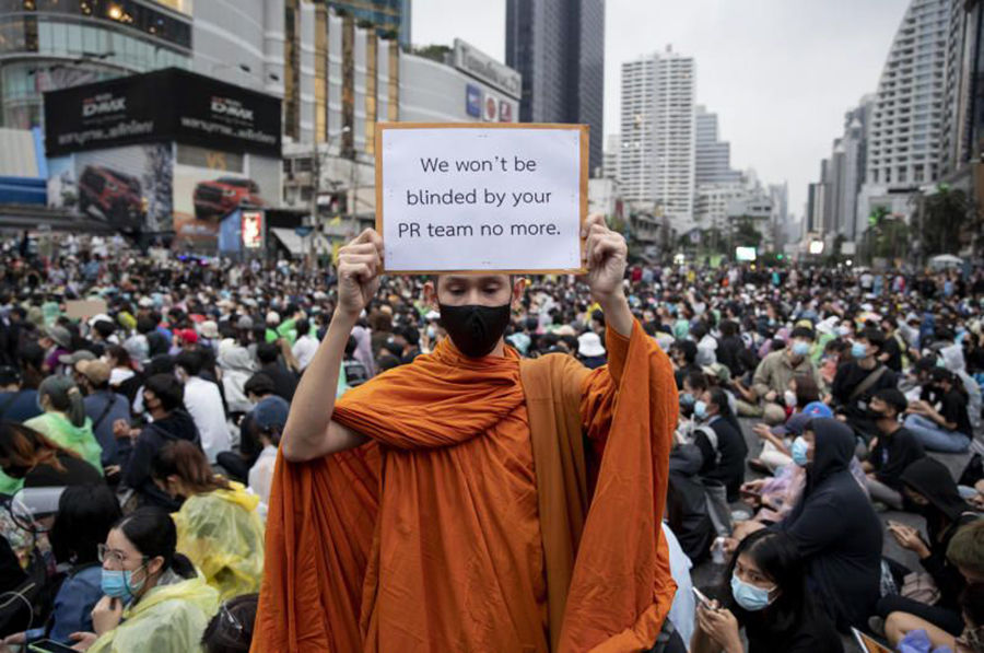 Thai PM adopts more conciliatory tone with protesters | Thaiger