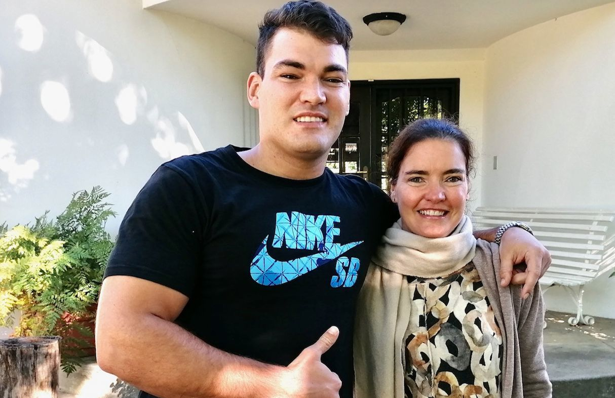Skål International Bangkok's helps to repatriate a mother and her teacher son | Thaiger