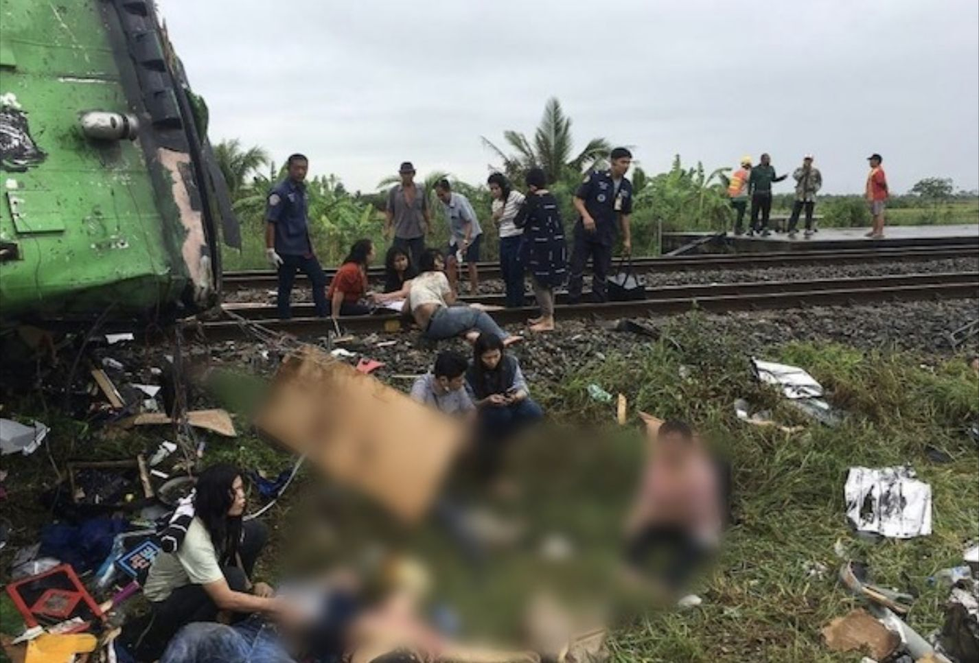 UPDATE: 18 dead, 44 injured, bus collides with train in Chachoengsao | News by Thaiger
