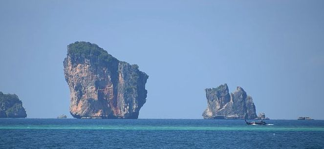"""Large """"chunk"""" breaks off Krabi island, damaging coral reef at popular dive site 