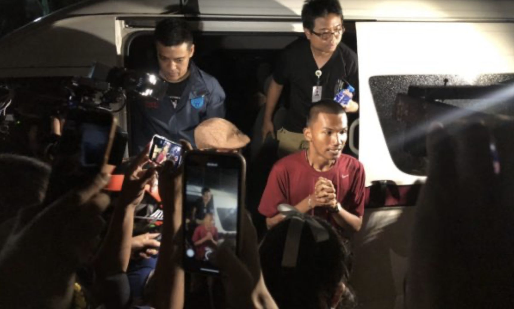 3 protesters denied bail as 10pm deadline for the PM's resignation looms