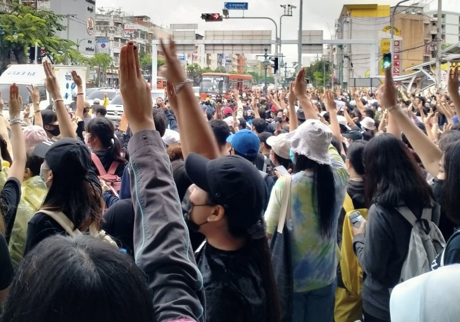 Thai protesters head to German Embassy to file controversial petition | News by Thaiger