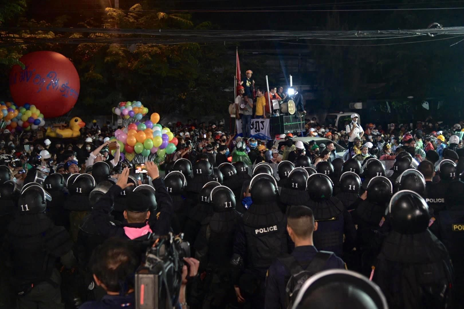 6 protesters shot with live rounds in Bangkok, but police deny the claims | News by Thaiger