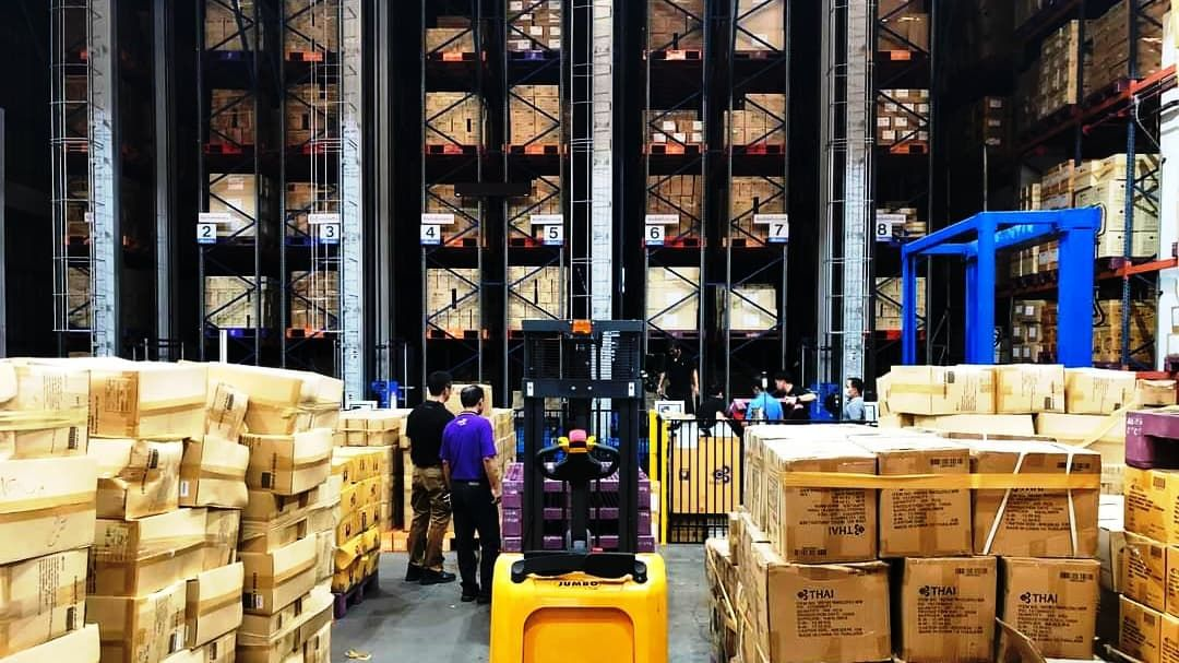 Thai Airways sells warehouse items and leases offices for extra cash | The Thaiger