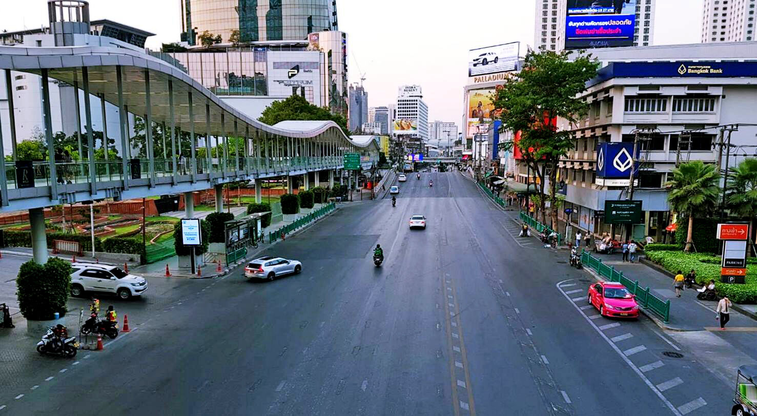 Bangkok's commercial property market struggles through 2020 | The Thaiger