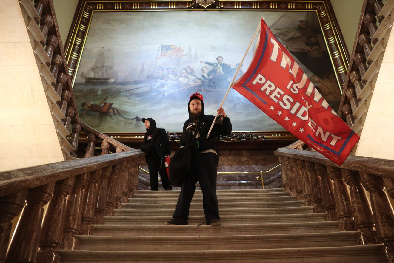 Pro-Trump rioters storm the US Capitol building, stopping the count of Electoral College votes   News by Thaiger