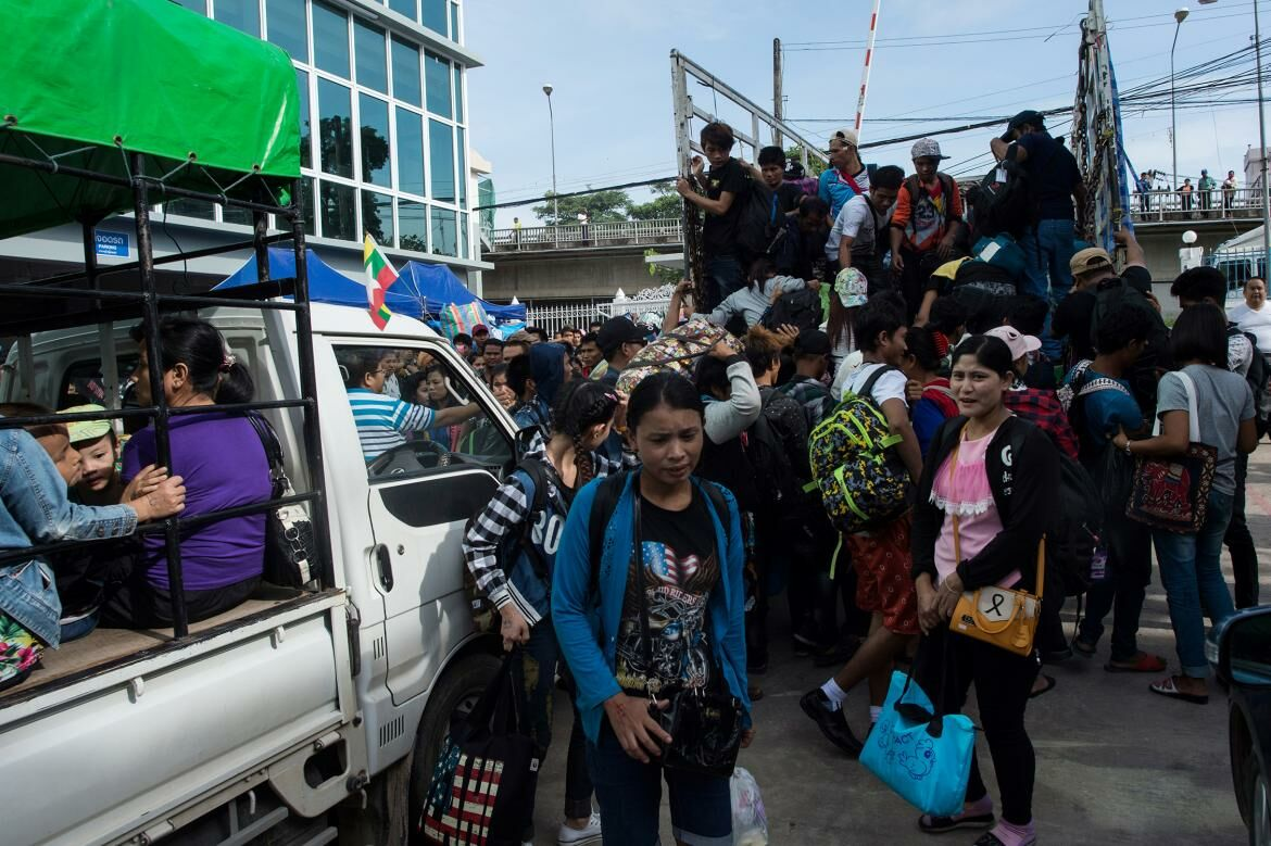 Migrant workers risk losing their legal status, the Cabinet to extend work permit amnesty | The Thaiger