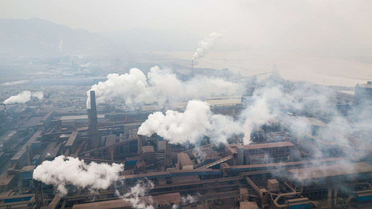 600 factories ordered to monitor emissions to help reduce air pollution | The Thaiger