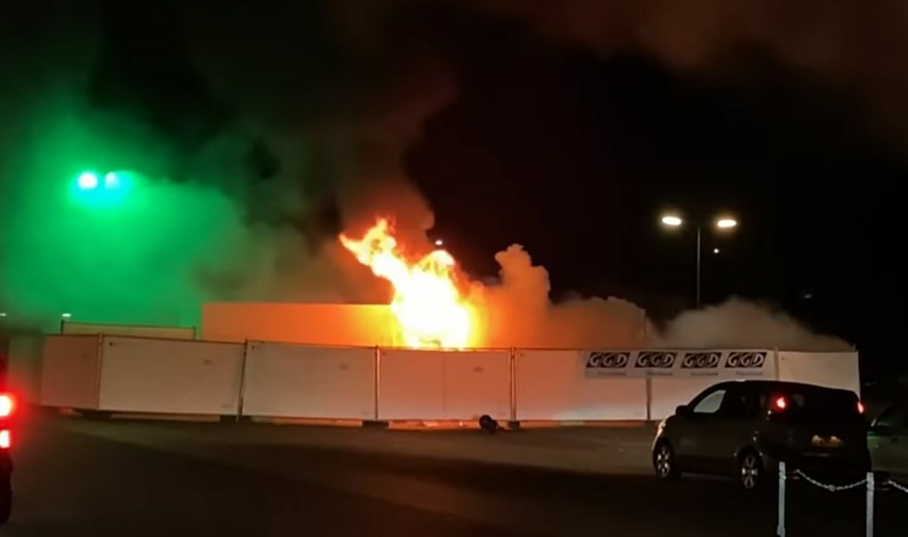 Anti-lockdown protests in the Netherlands turn violent, Covid-19 testing centre burnt down | The Thaiger