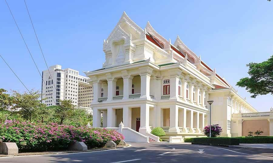 Chulalongkorn University in lockdown following discovery of Covid cluster | The Thaiger