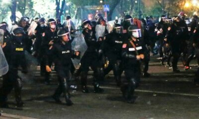 More than 20 police injured in clash with protesters in Bangkok | Thaiger