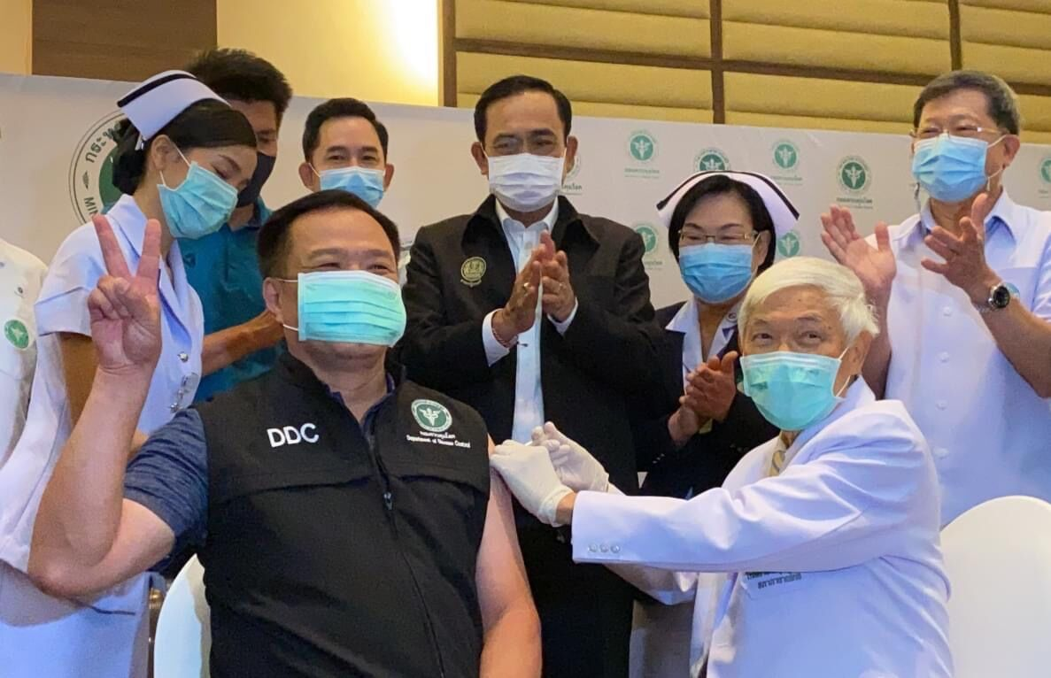 Public Health Minister gets first Covid-19 vaccine shot in Thailand | Thaiger