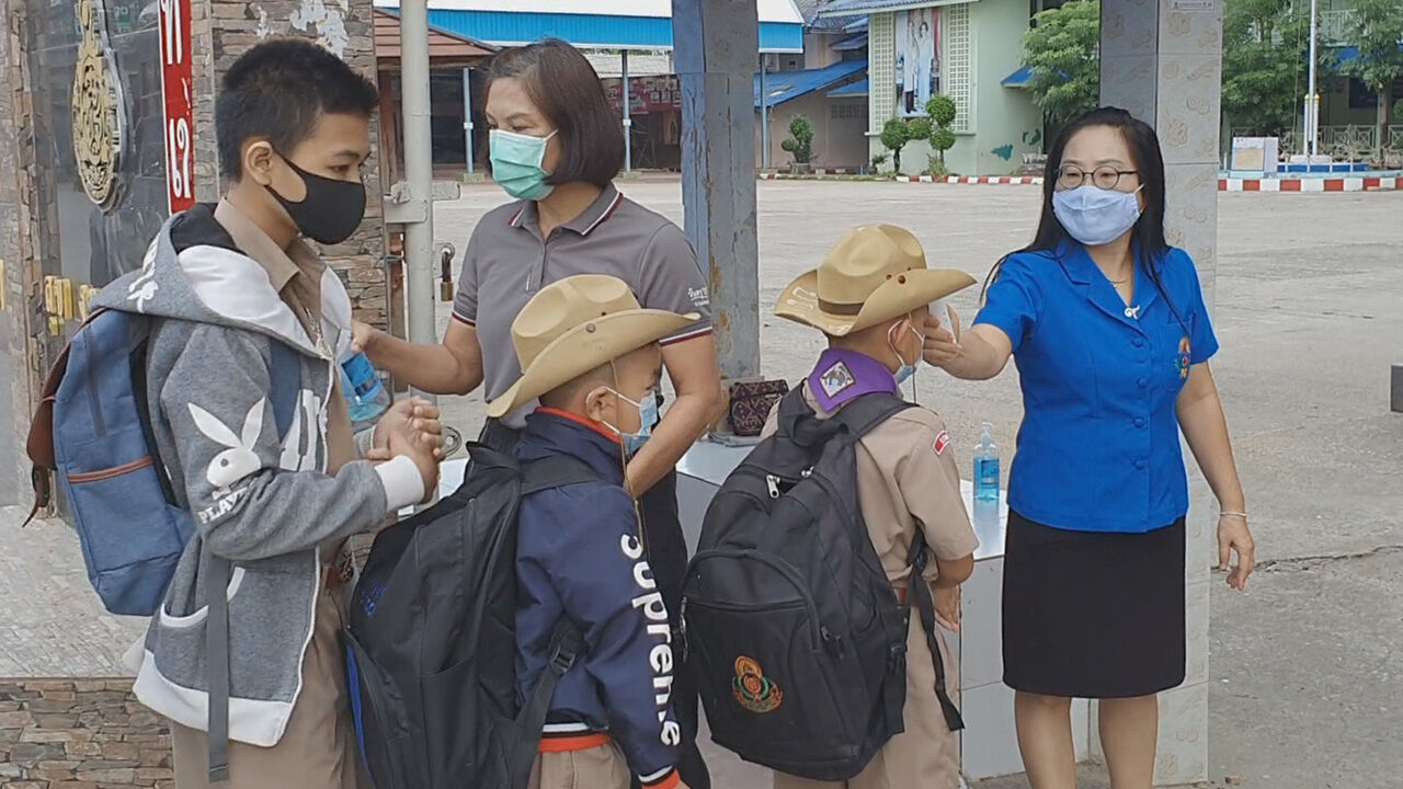 Mae Sot schools close after just 1 hour reopening when 5 students were found infected | The Thaiger
