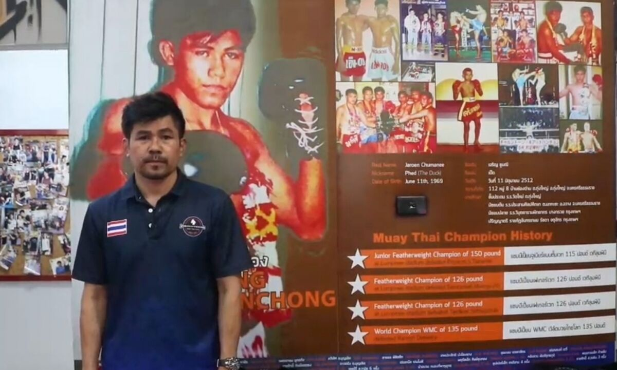 Muay Thai trainer opens restaurant to make up for losses during pandemic | News by The Thaiger