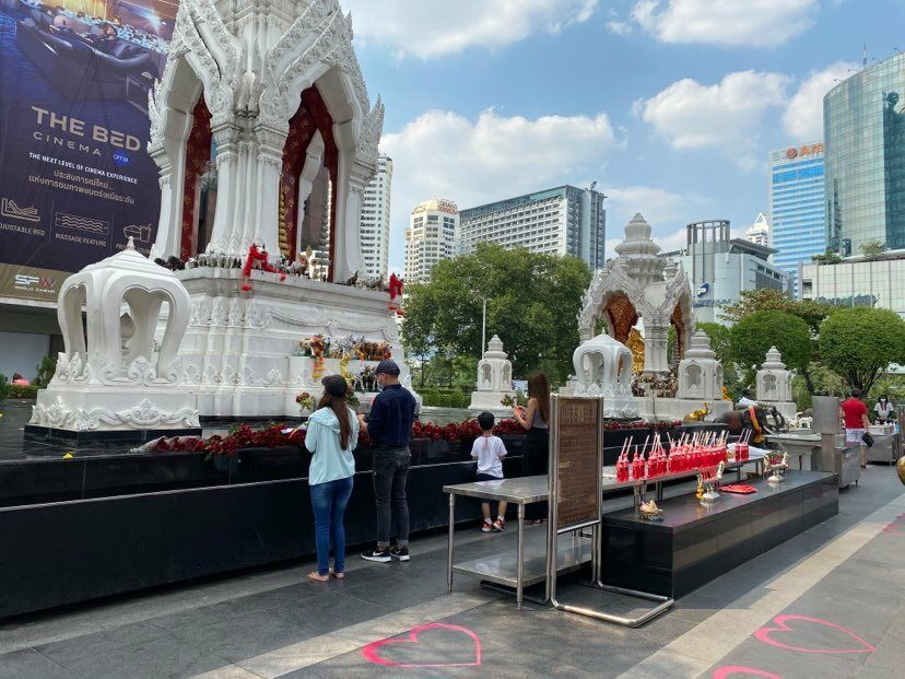 Thais pray at Bangkok's shrine of love during Valentine's weekend   News by Thaiger