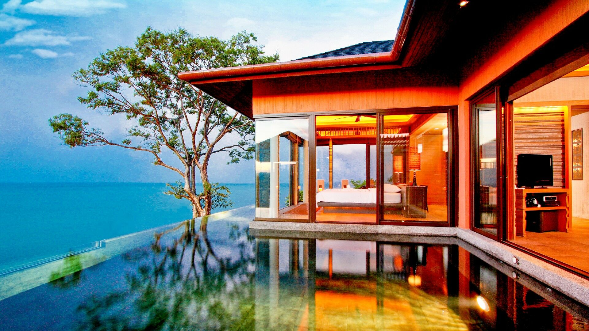 """70 wealthy foreign tourists will be the first to undergo """"villa quarantine"""" at Phuket luxury resort 