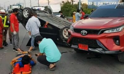 Drug use suspected as Chon Buri driver flips vehicle, damages 3 other cars | Thaiger