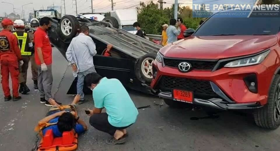 Drug use suspected as Chon Buri driver flips vehicle, damages 3 other cars   Thaiger