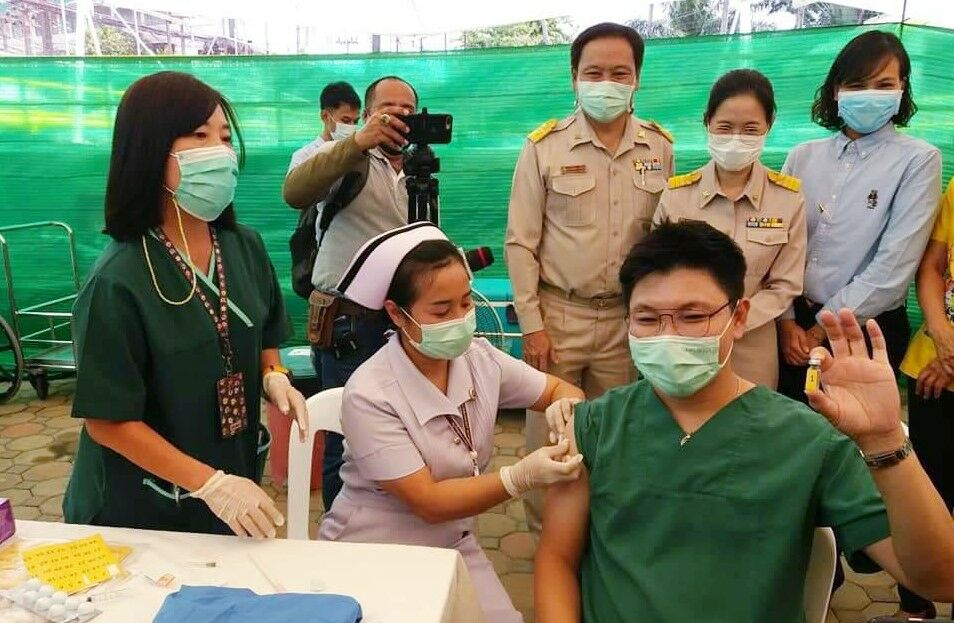 Vaccine rollout underway in Phuket as province receives 4,000 doses | Thaiger