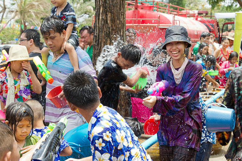 Officials mull over new guidelines for this year's Songkran water festival | The Thaiger