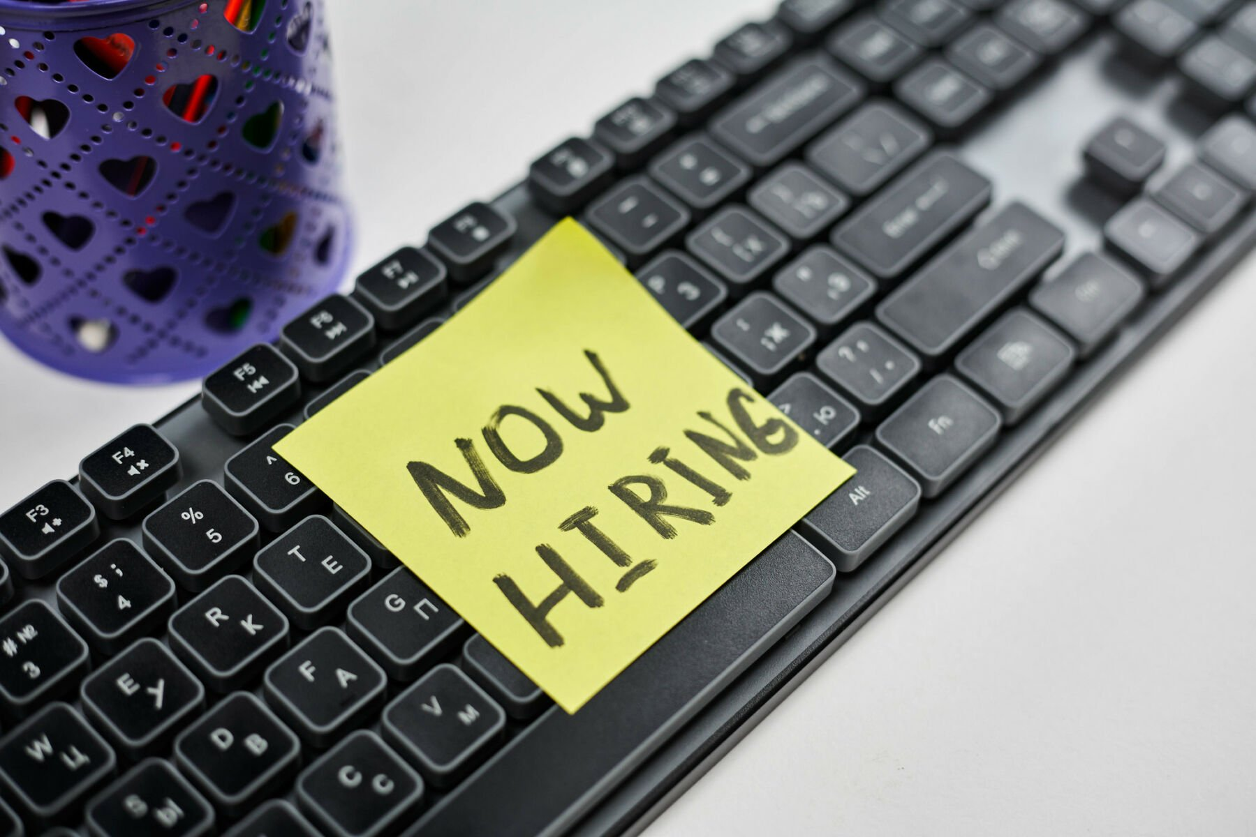 Thailand jobs listings rise in February, labour force recovering from pandemic | Thaiger