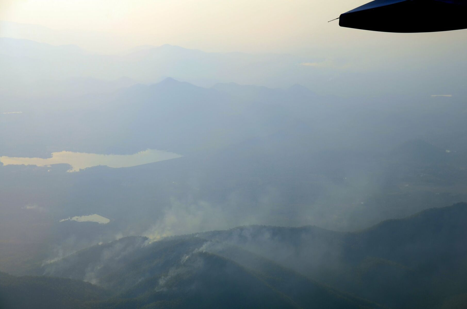 Brush fires rage on in Chiang Mai while air pollution soars | Thaiger