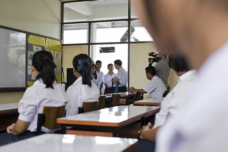 Thai-language teacher suspended for throwing books at her students | Thaiger