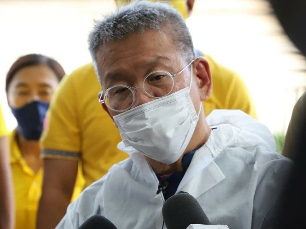 Samut Sakhon governor released from hospital after severe Covid-19 infection | Thaiger