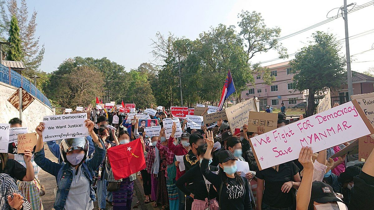 UK now advising its citizens to leave Myanmar in wake of escalating coup violence | Thaiger