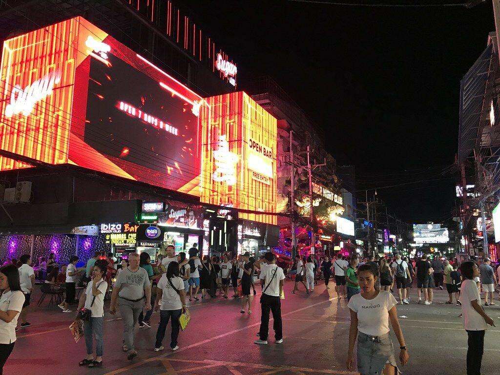 Pattaya bar owners waiting for CCSA to allow later closing hours | Thaiger