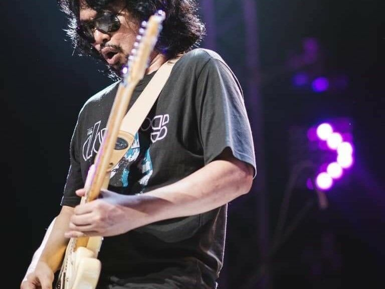 Thai rocker granted temporary bail after court upholds sentence | Thaiger