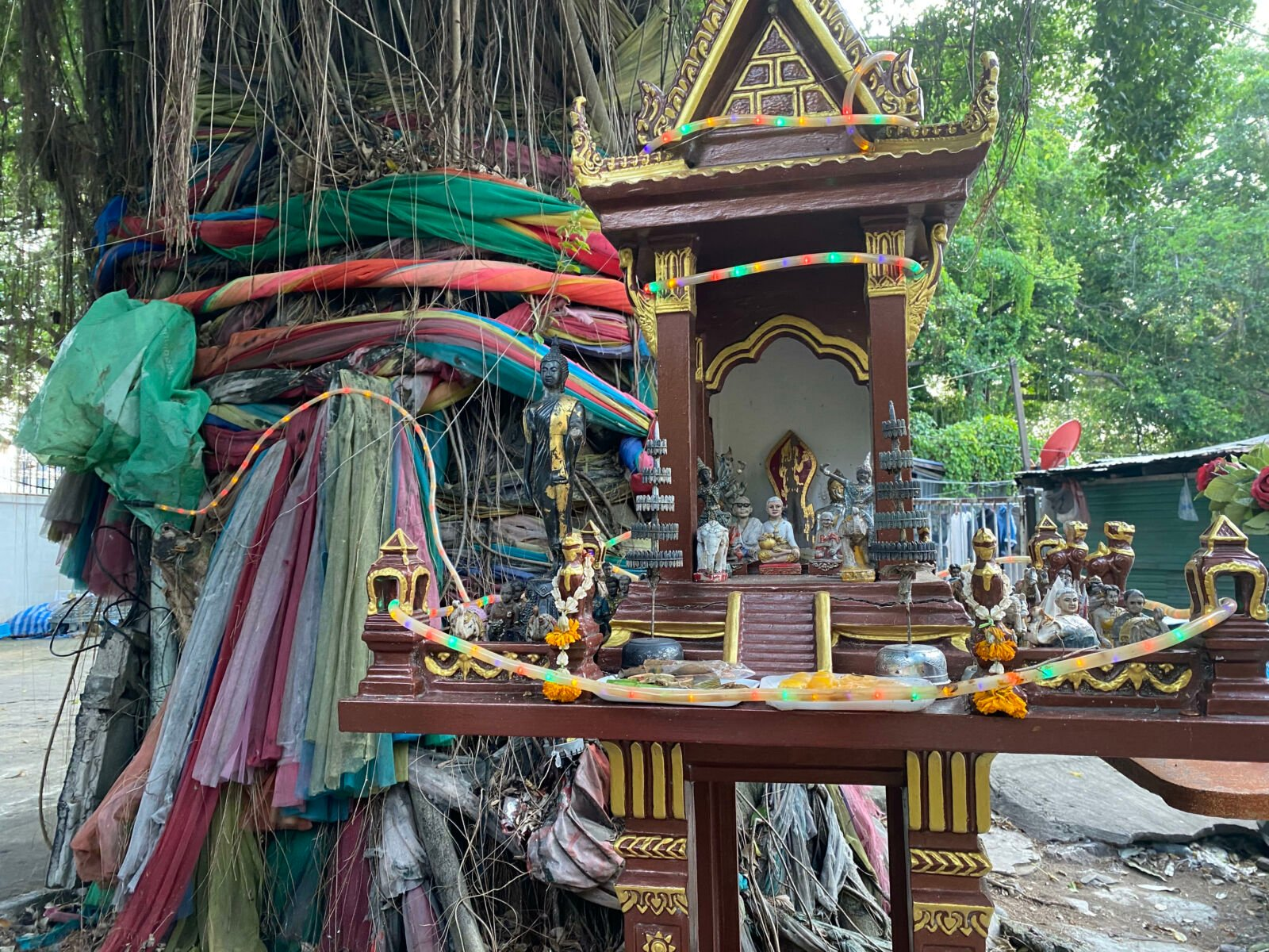 Why Thai locals make homes for the spirits | Thaiger