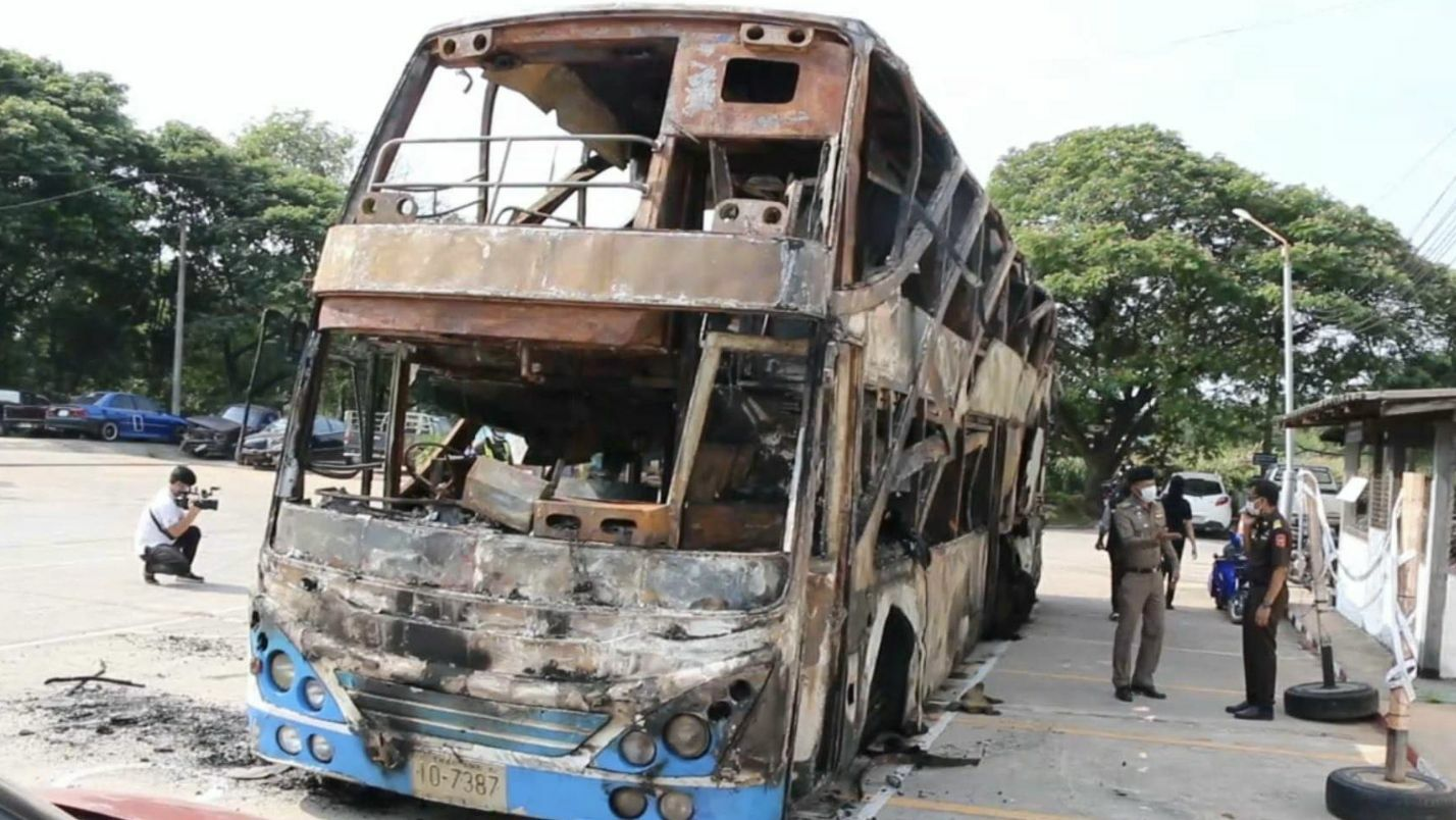 Driver charged in bus fire that killed 5, injured 12 | Thaiger