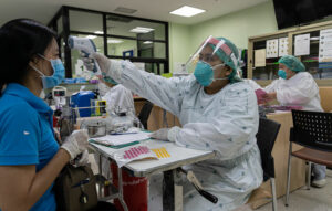 Health officials outline estimated daily infections based on 5 different scenarios | Thaiger