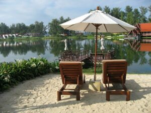 Hotel blog suggests Phuket should push ahead with July reopening despite Covid surge | Thaiger