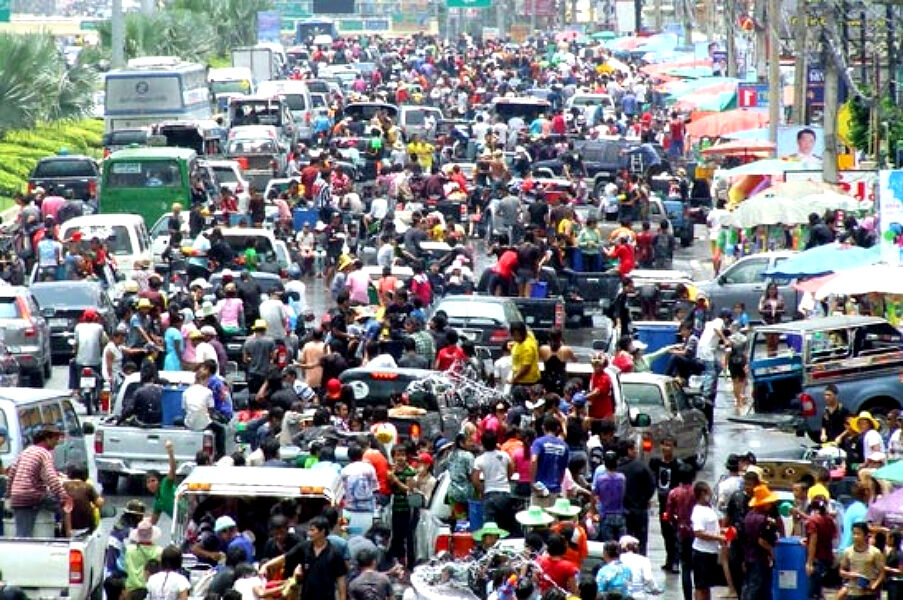 Bangkok sees 7.87 million vehicles over Songkran holiday | Thaiger